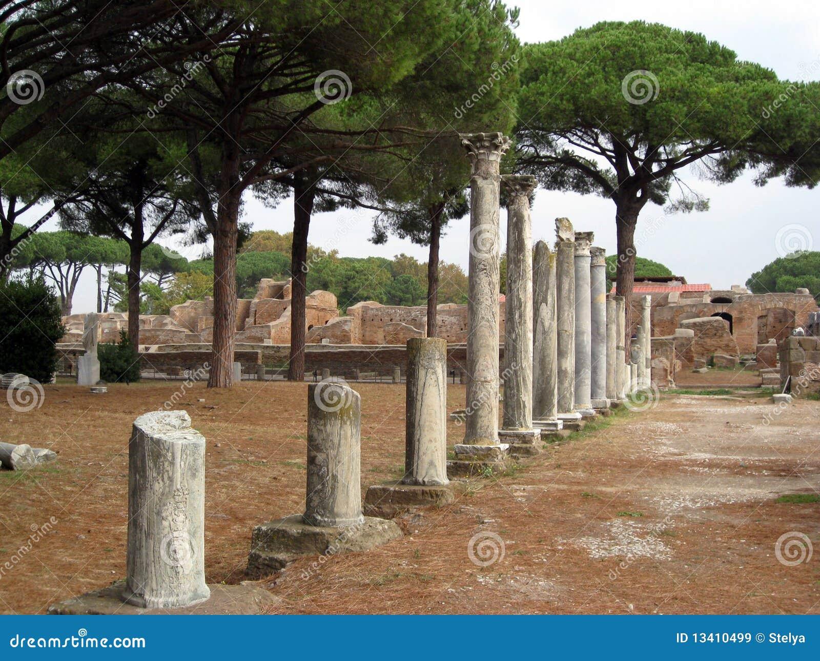 Ruinas de ostia antica en italia im genes de archivo for Mr arredamenti ostia antica