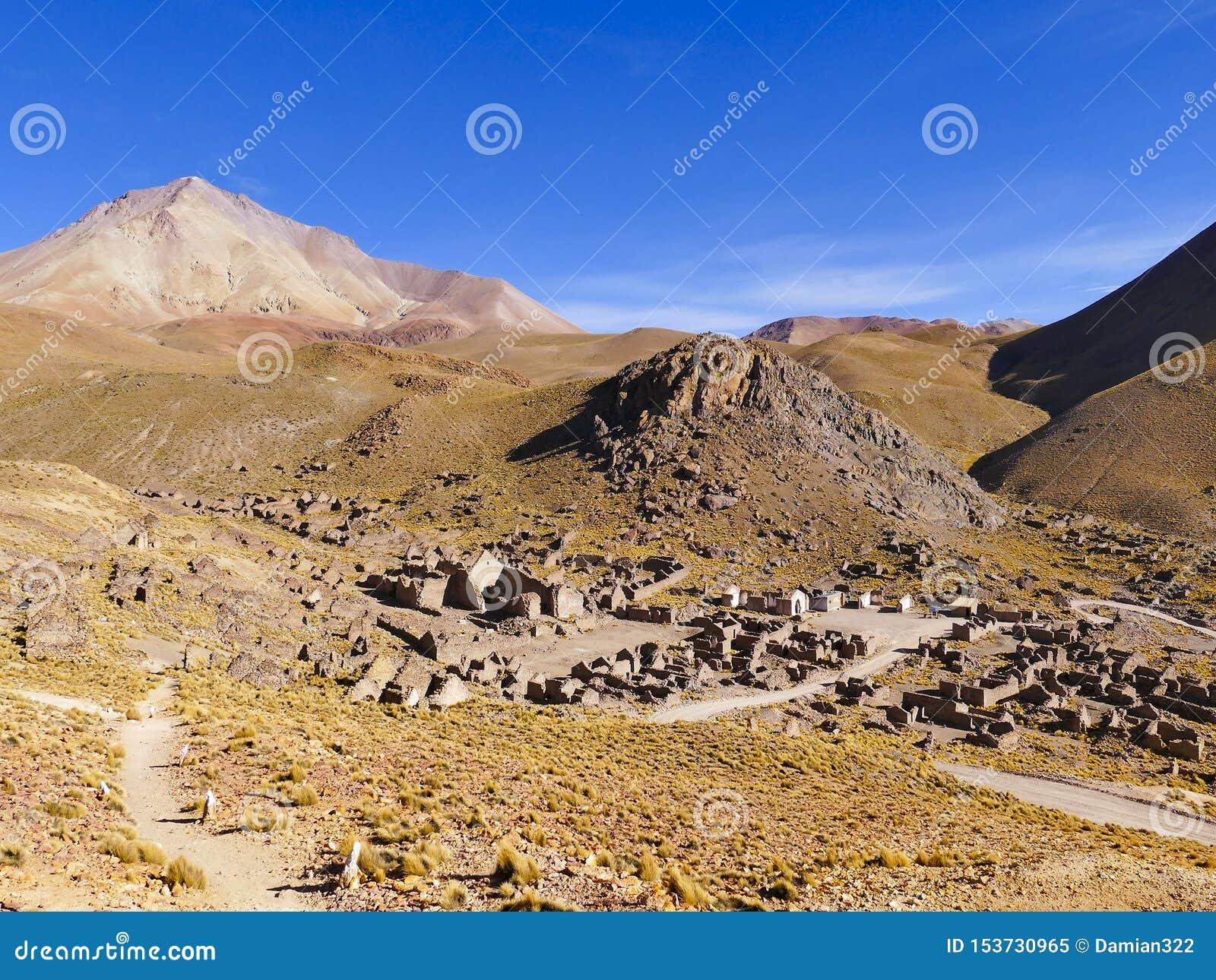 Ruinas de un pueblo minero anterior Fantasma de la ciudad