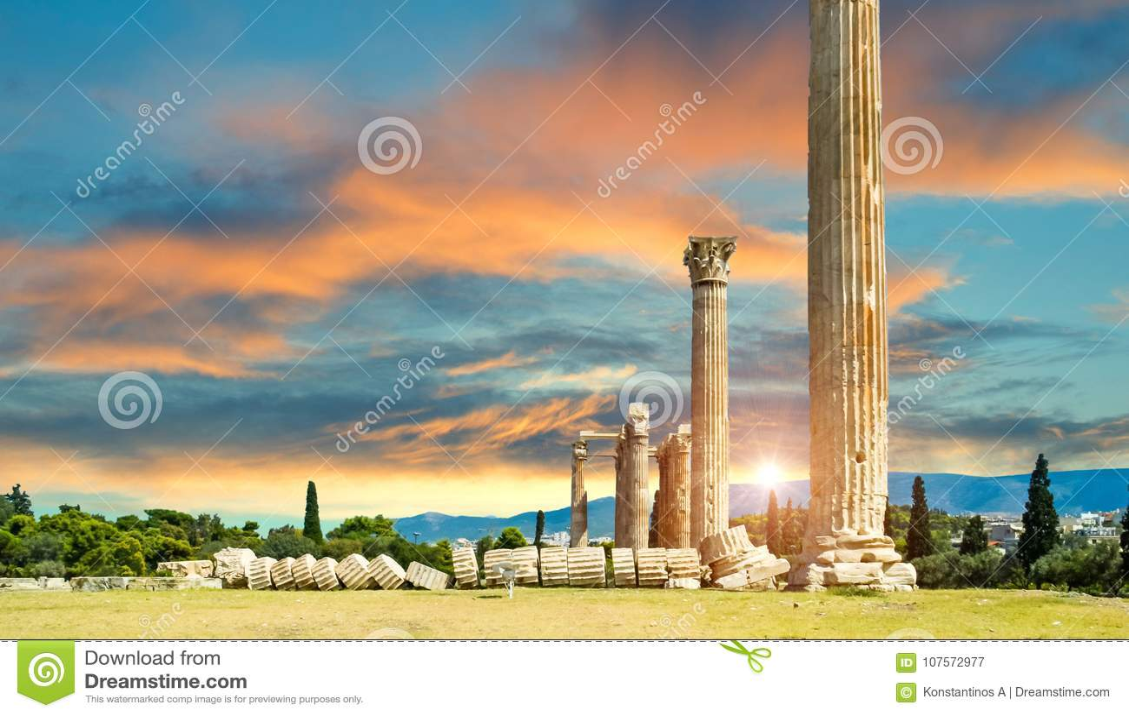 Ruinas olímpicas de las columnas de Zeus en Atenas Grecia