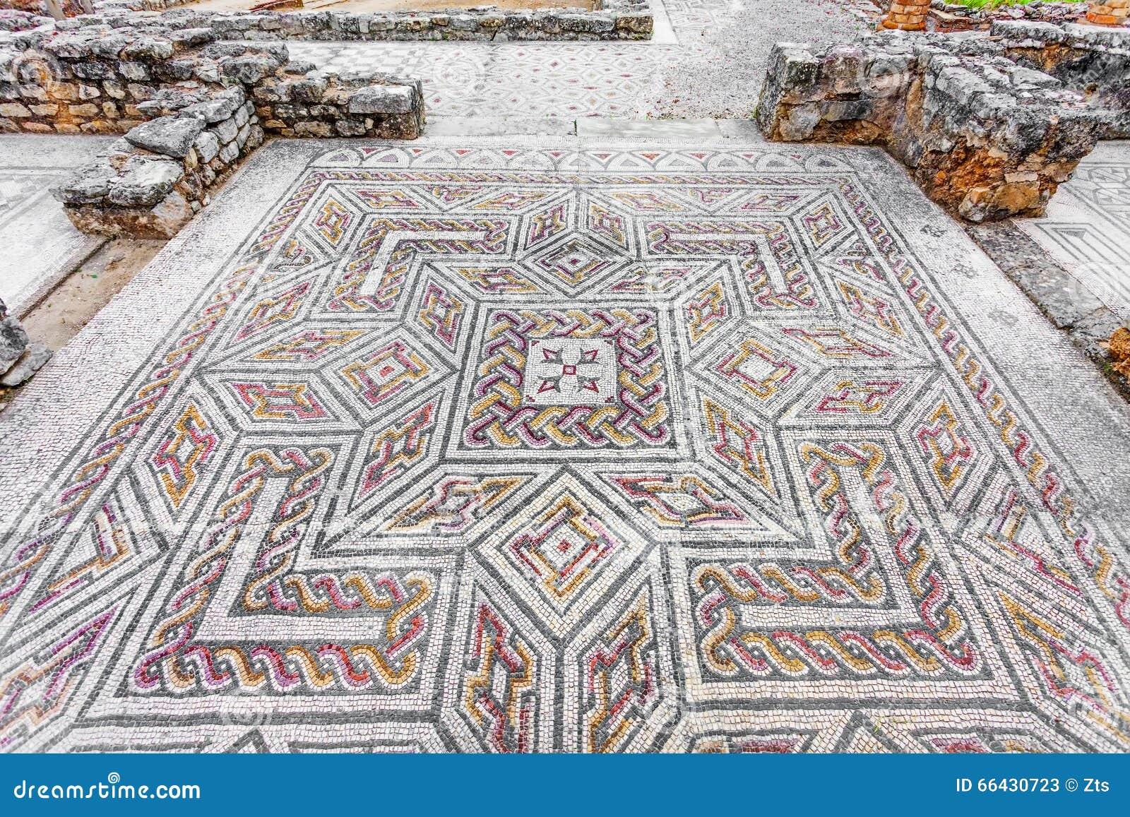 Ruinas romanas de conimbriga pavimento de mosaico romano for Mosaico pavimento