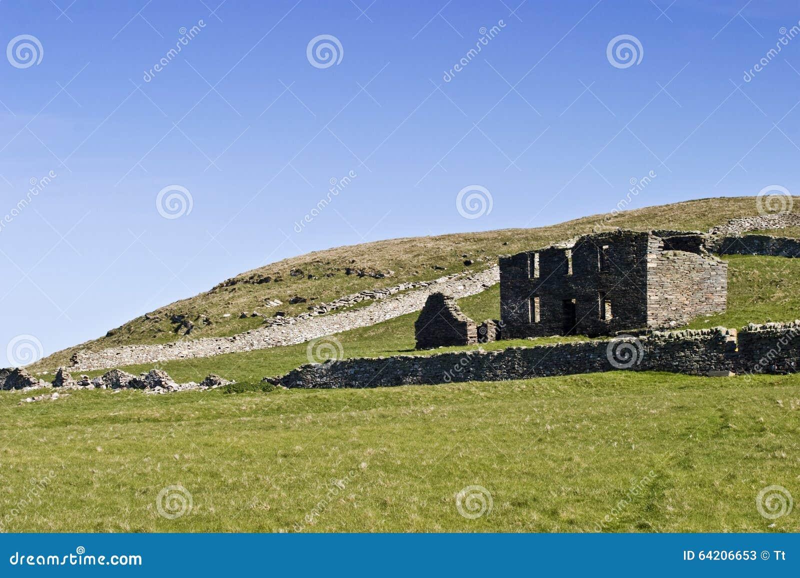 Ruinas viejas de la granja