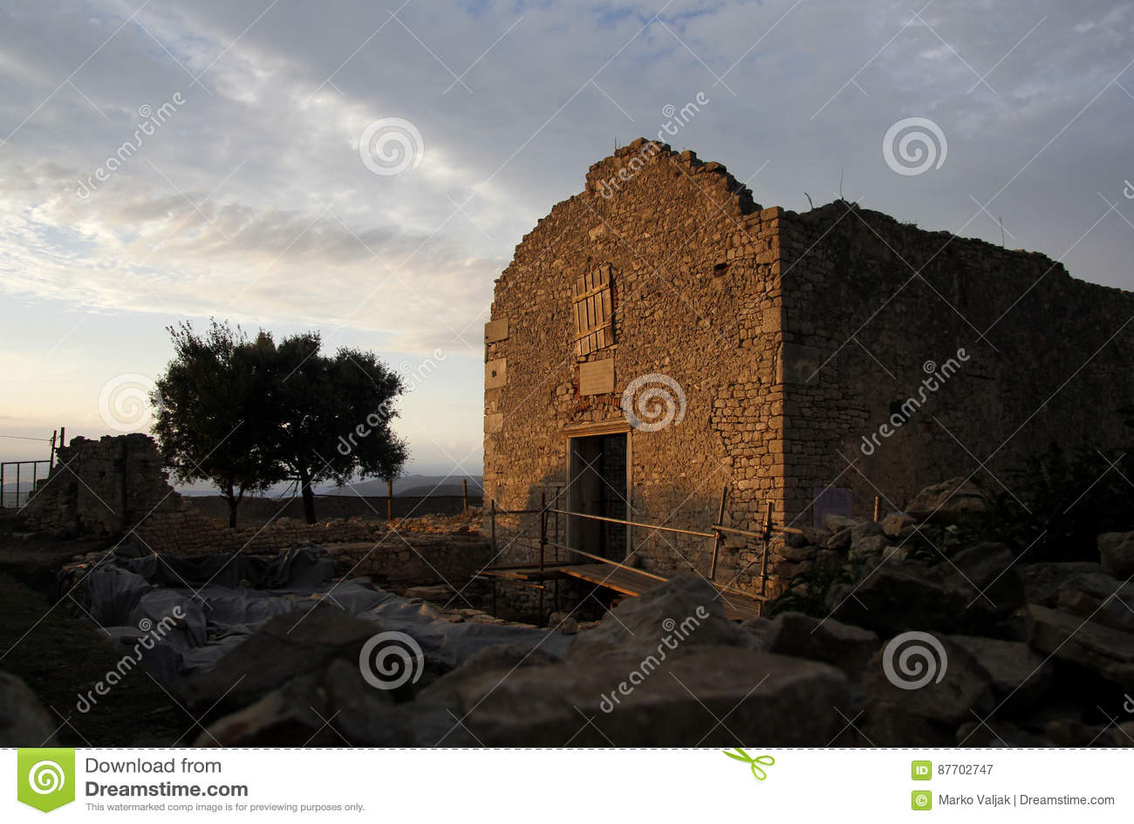 Ruine d église