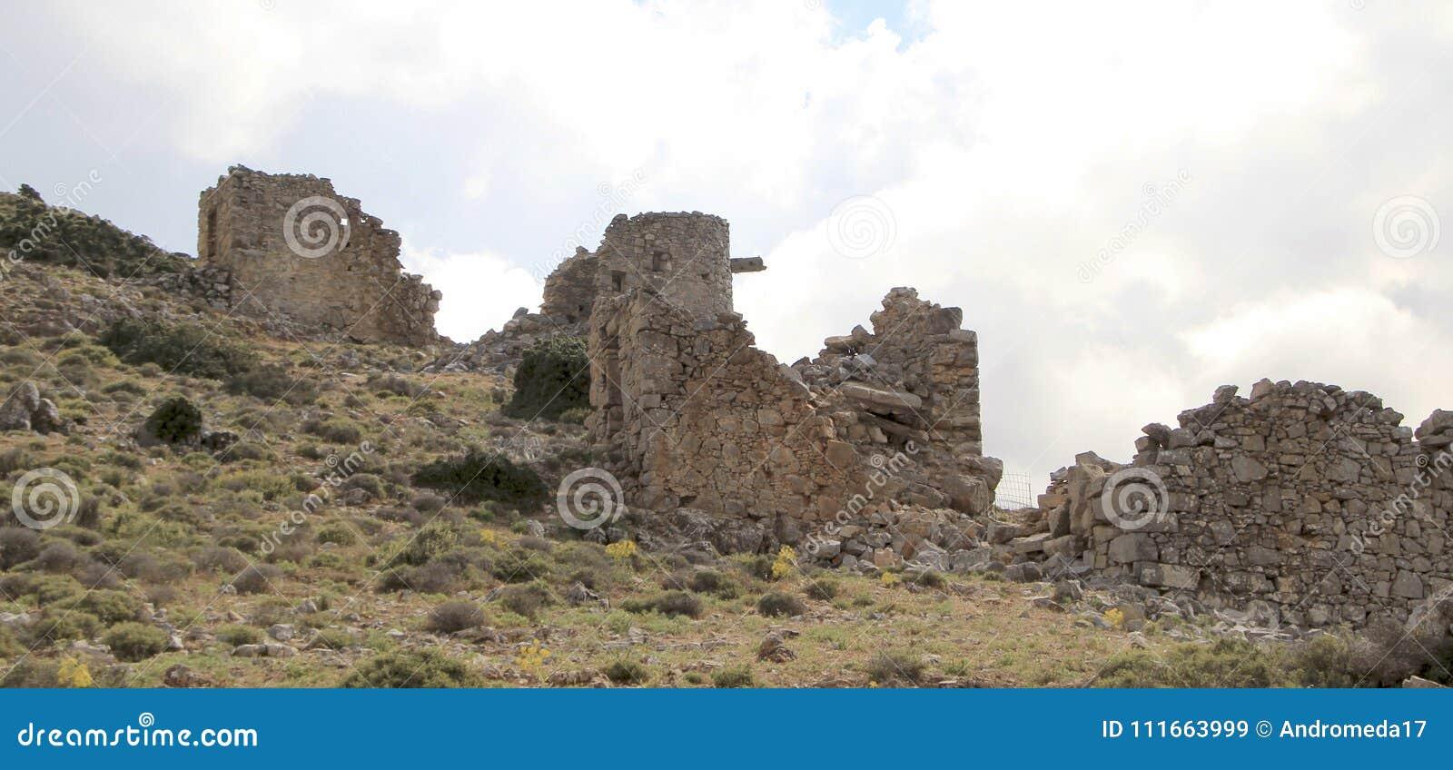 Ruinen von den alten venetianischen Windmühlen errichtet im 15. Jahrhundert, Lassithi-Hochebene, Kreta, Griechenland