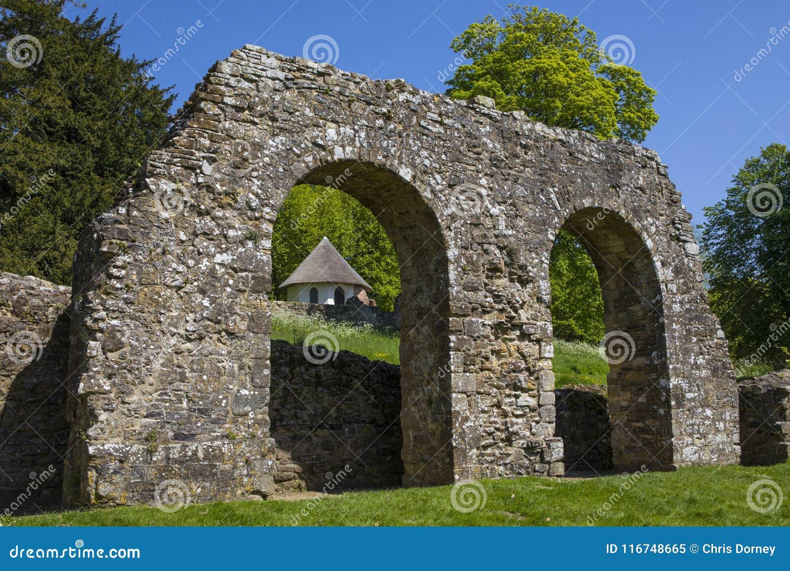Ruines d abbaye de bataille dans le Sussex