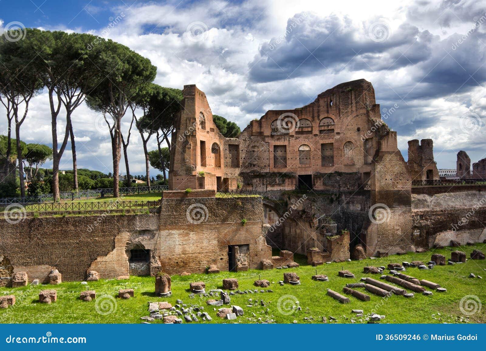 Ruines d empire romain à Rome Italie
