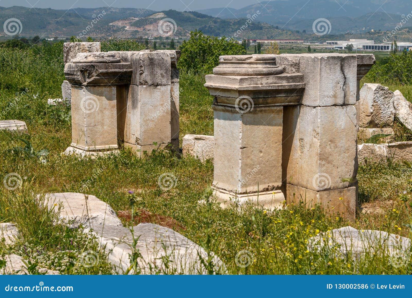"""Résultat de recherche d'images pour """"image correspondant à ville de magnésie en grèce antique"""""""