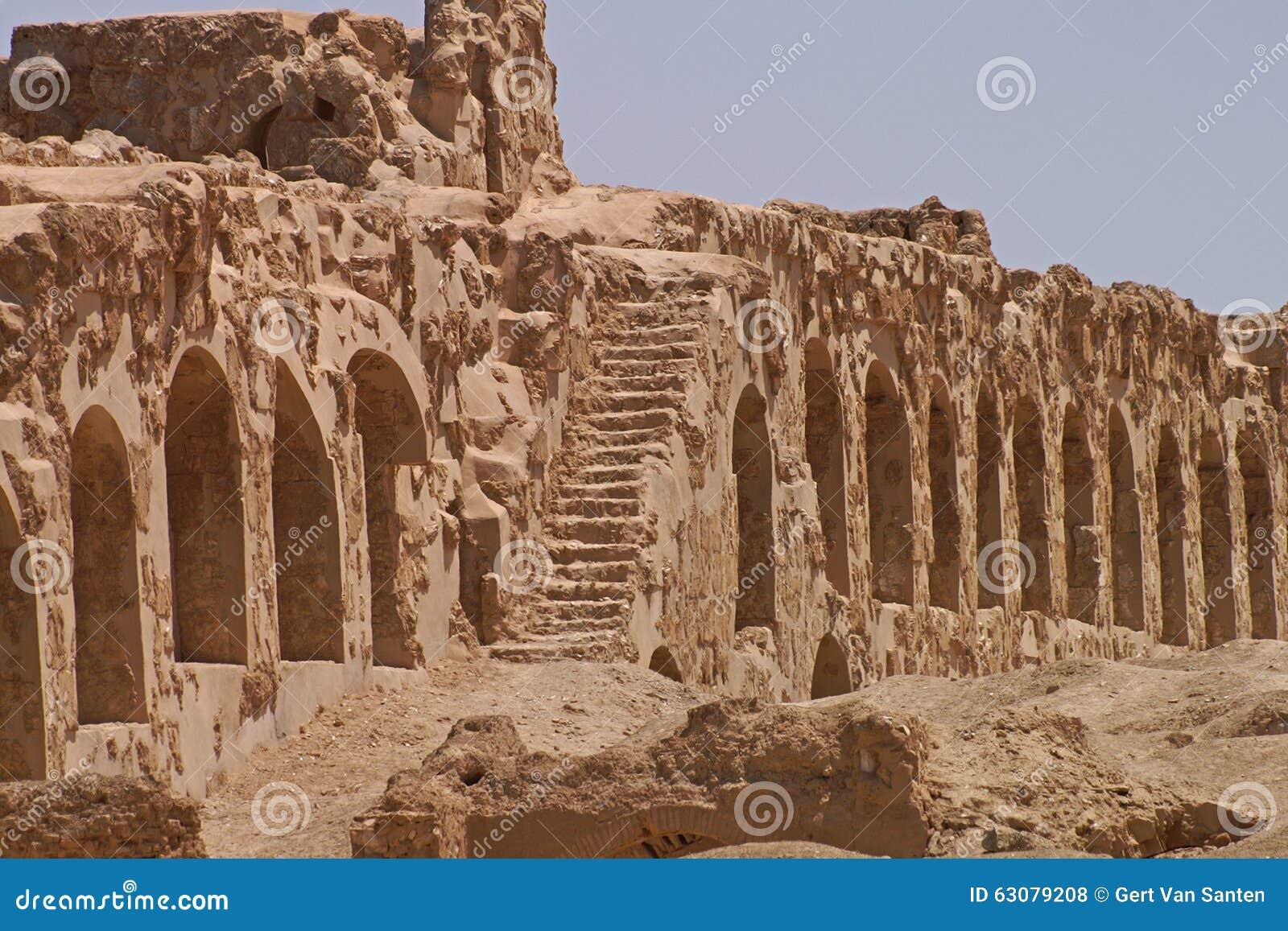 Download Ruines De Ville Antique Arrassafeh Près De Raqqa En Syrie Photo stock - Image du syrien, ruines: 63079208