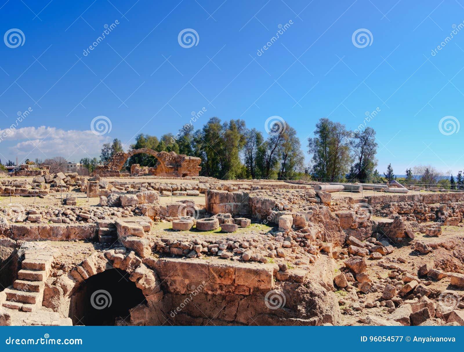 Ruines romaines antiques en parc archéologique de Paphos