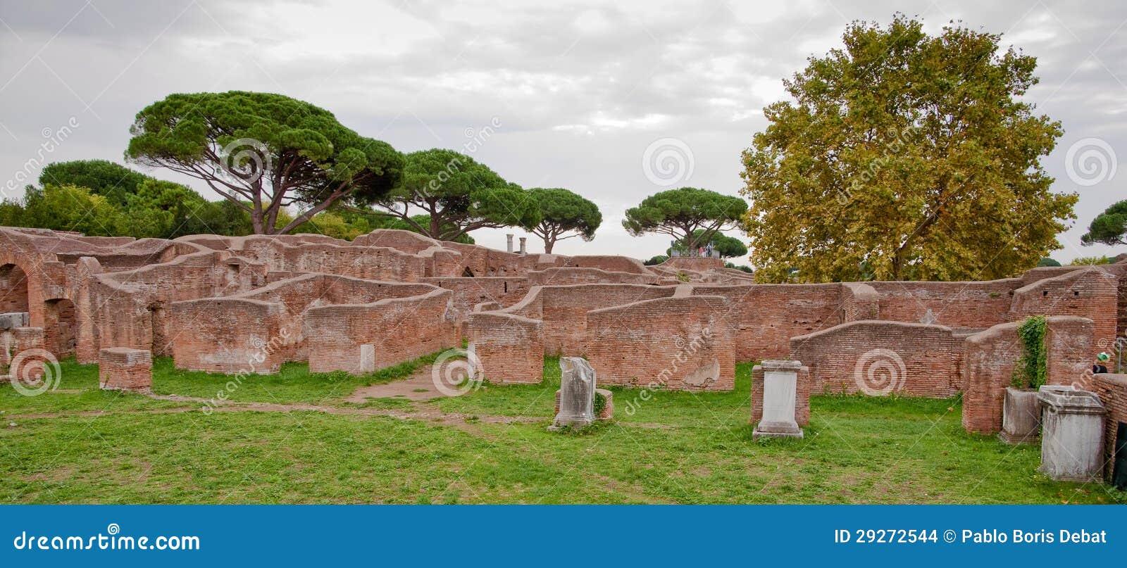 Ruins from caserma dei vigili del fuoco at ostia antica for Mr arredamenti ostia antica