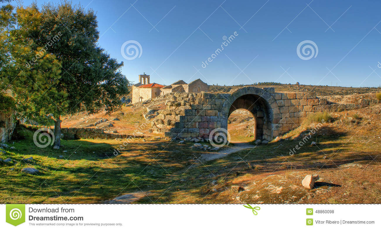 Ruins in historical village of Castelo Mendo
