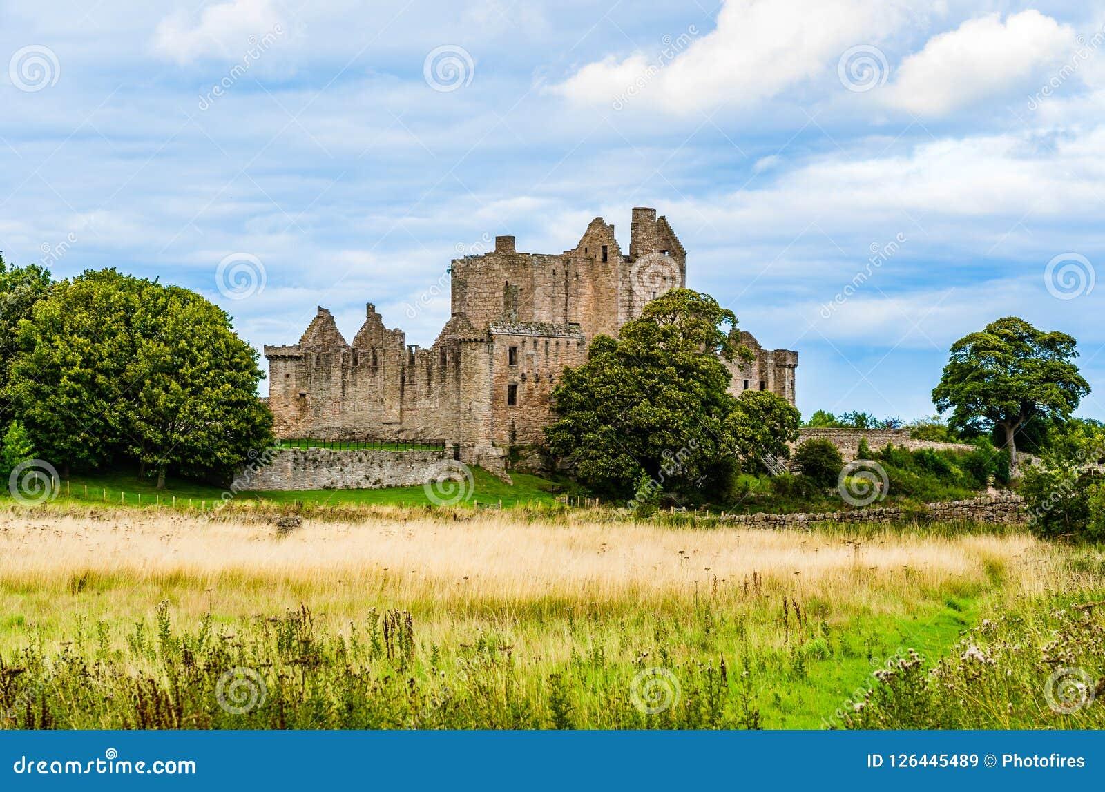 Ruiny Craigmillar roszują w Edingurgh, Szkocja