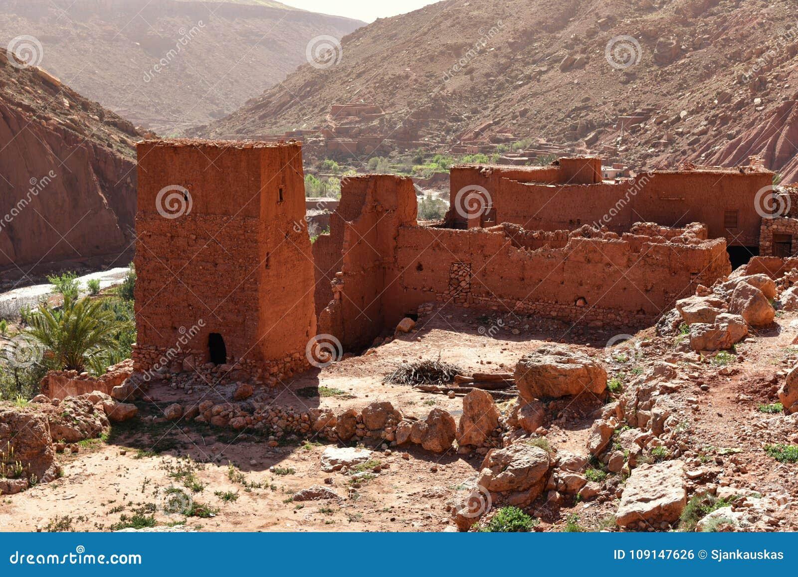 Ruiny tradycyjny mudbrick dom w Maroko