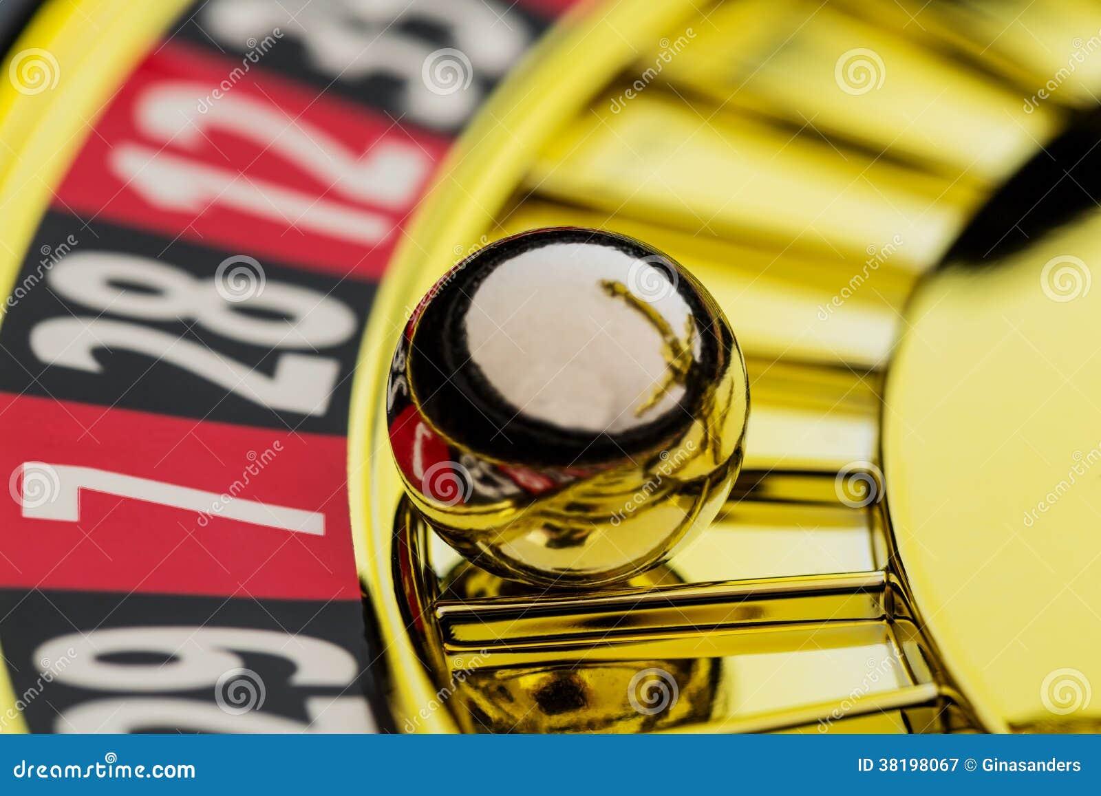 Ruleta uprawia hazard w kasynie