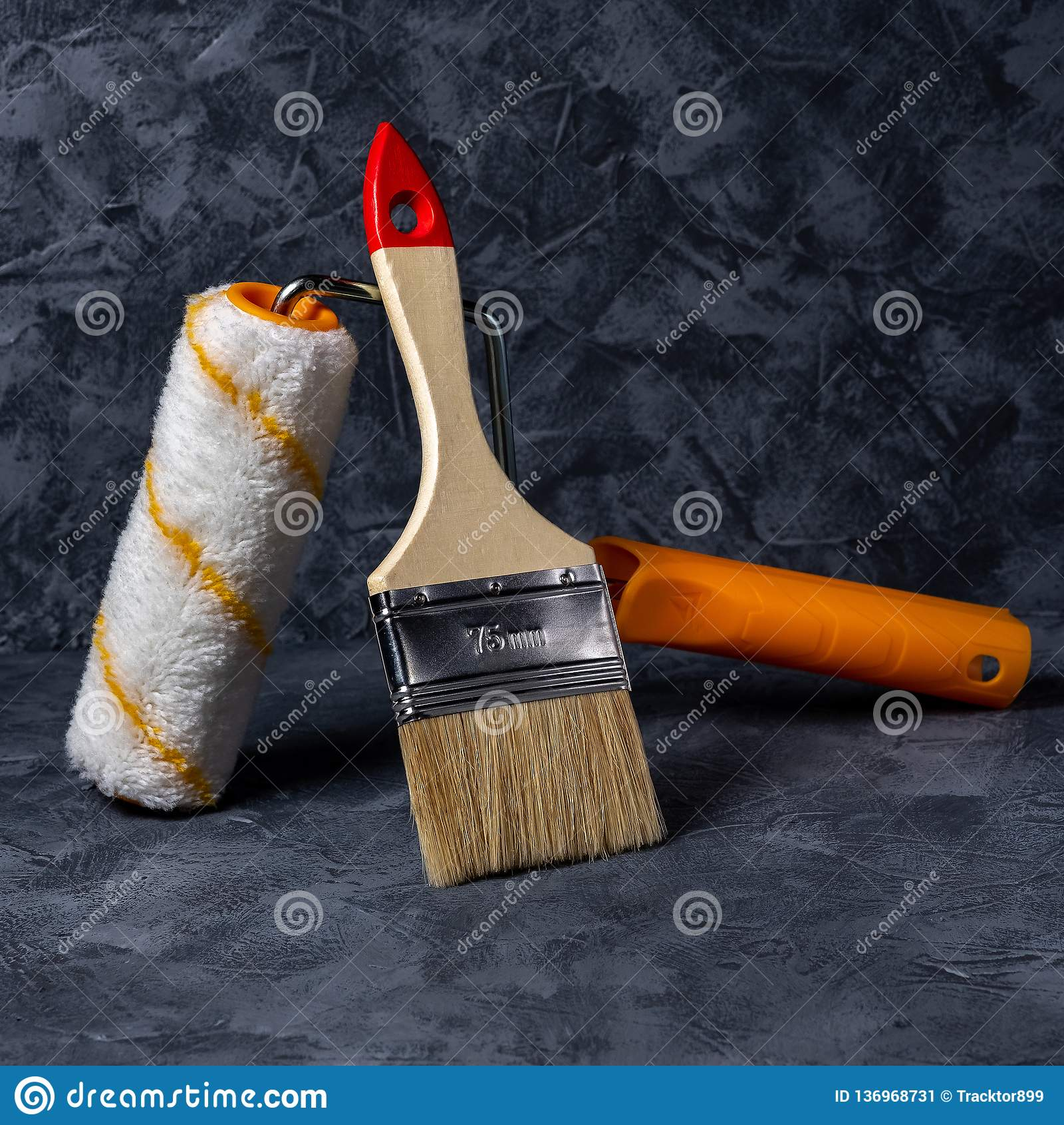 Rulle och borste för stålhjälpmedel för klämma röd liten working