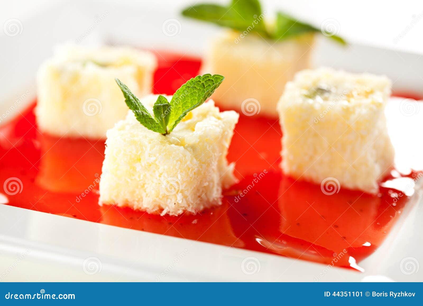 Rullo di sushi dolce della frutta