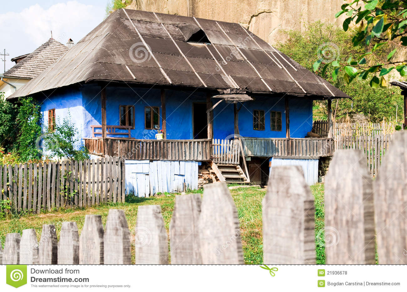 Rum nien traditionelles haus stockfoto bild 21936678 for Traditionelles haus