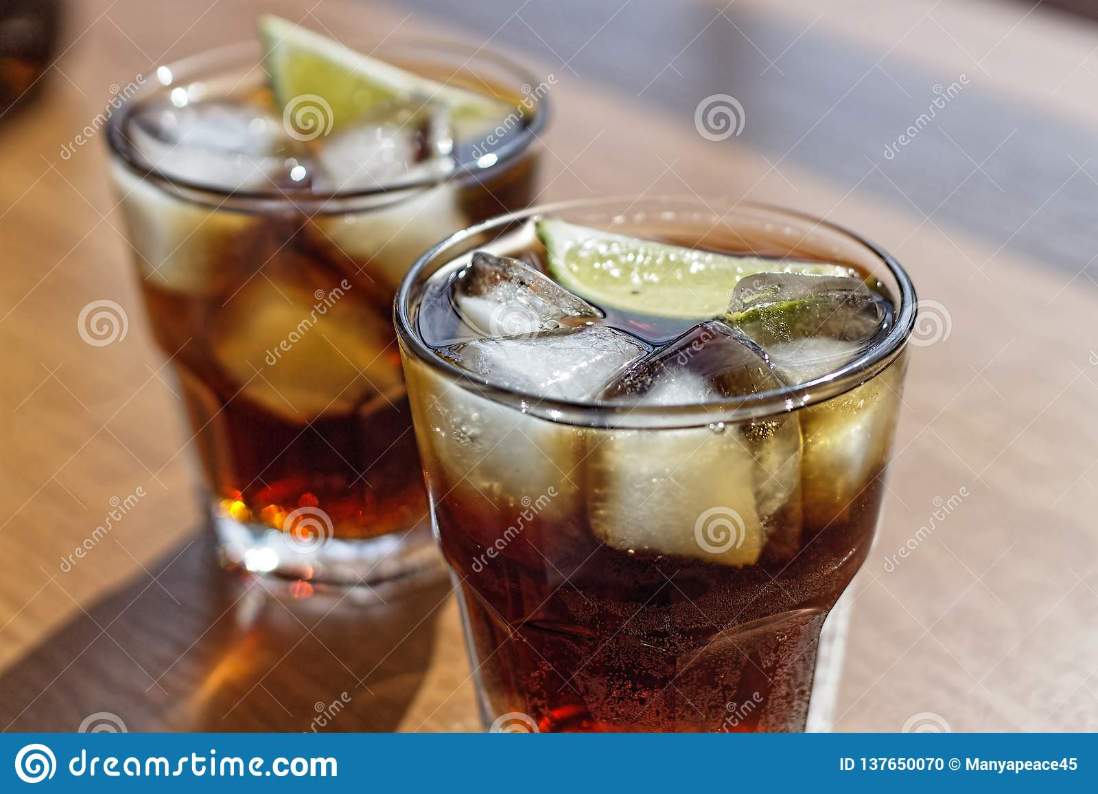 Rum, Cola, Cuba Libre, alcohol, ice, rum, glass, cocktail, refreshment, lime, cuba