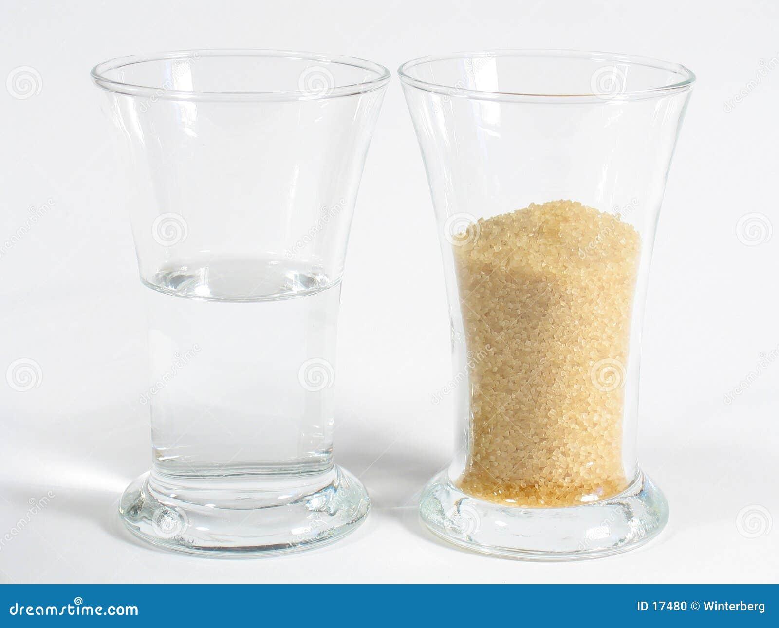 Rum e açúcar de Brown brancos
