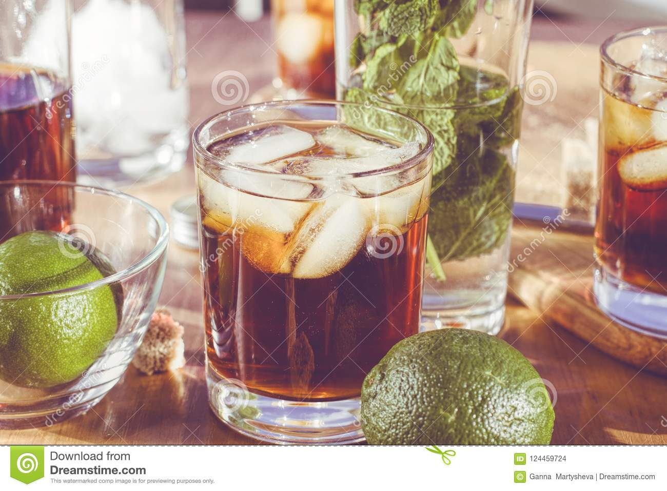 Rum with ice, Cuba Libra, alcohol, ice, glass, drink, rum,