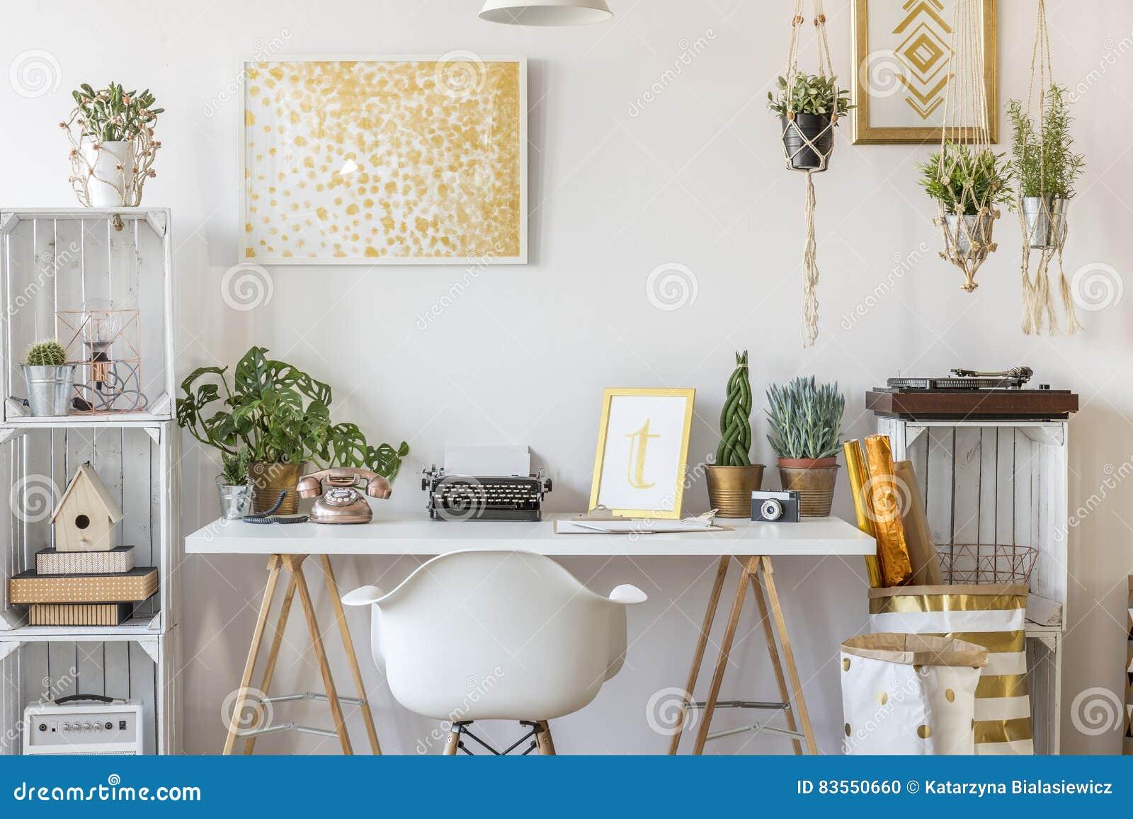 Rum med guld- design