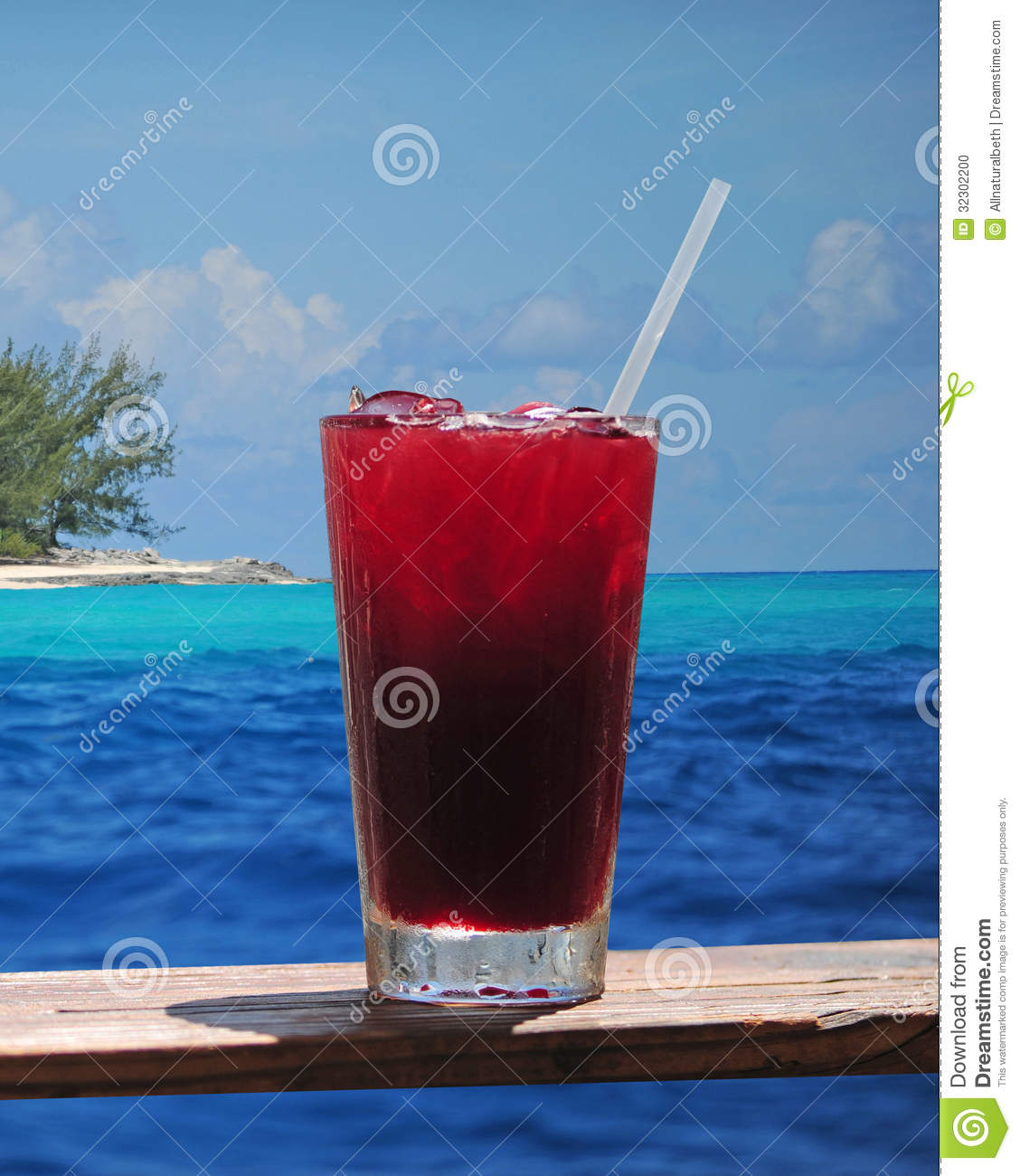 8 Tropical Island Rum Cocktails: Rum Punch Or Fruity Drink In A Tropical Paradise Stock