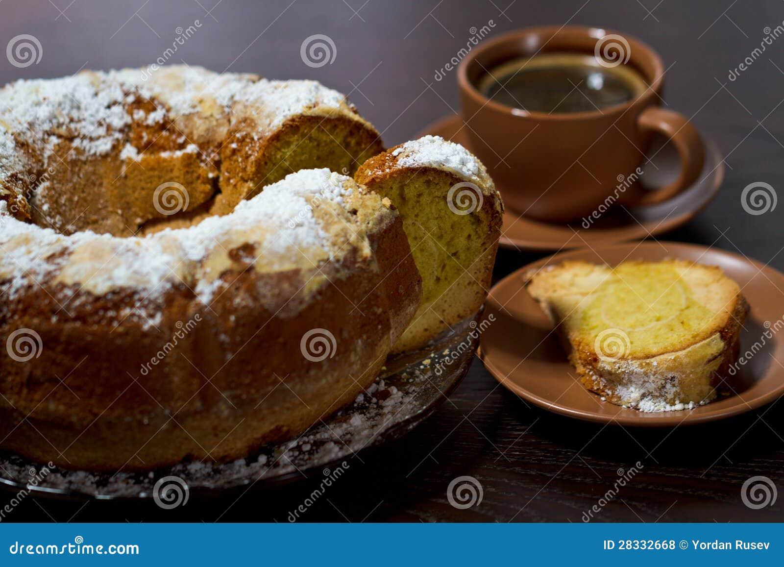Runder Kuchen Mit Zuckerspitze Und -kaffee Lizenzfreie ...