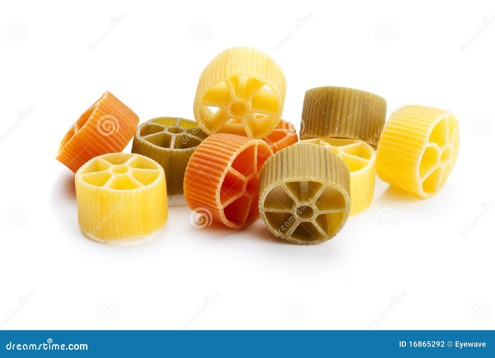 Pasta Border Ruote-pasta-isolated-16865292.jpg