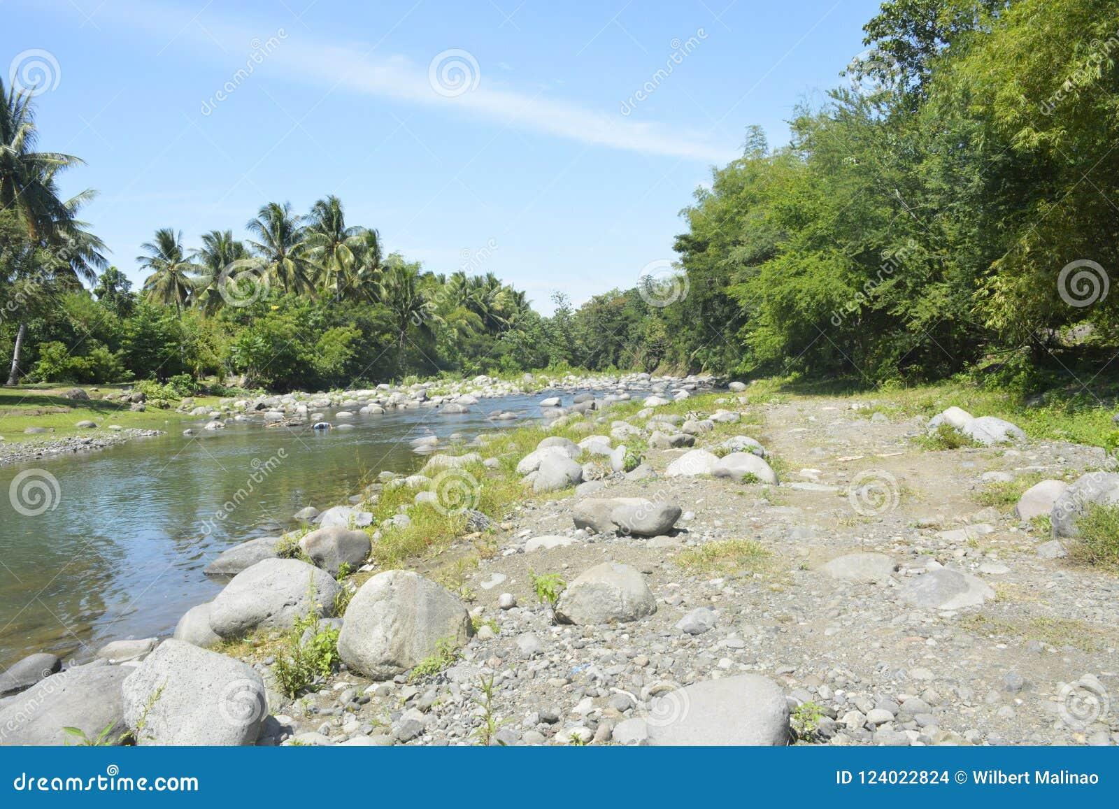 Ruparan riverbank lokalizować przy barangay Ruparan, Digos miasto, Davao Del Sura, Filipiny