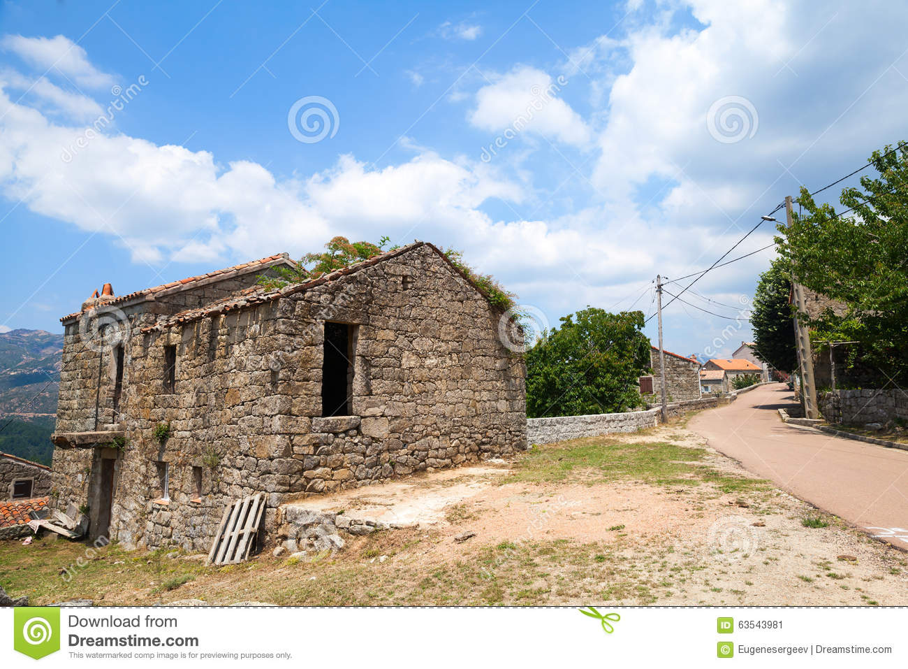 Rural landscape of south corsica old house stock photo for Achat maison corse du sud