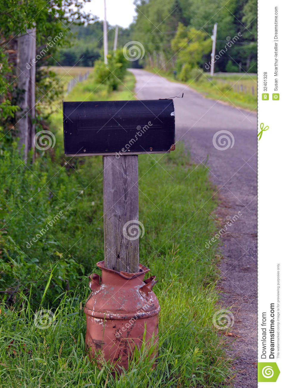 Rural Mailbox In Rusty Old Milk Can Stock Photo Image Of