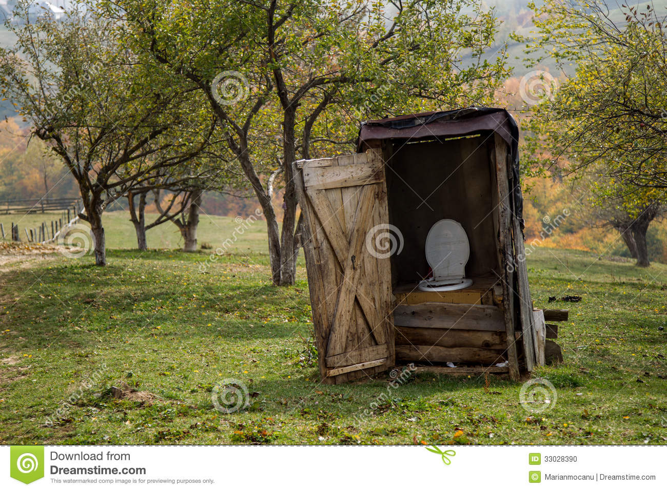 rural toilet stock photo image 33028390 outhouse clip art free outhouse clipart clipart