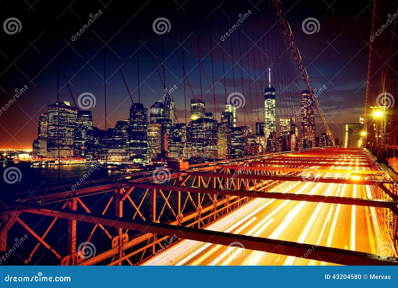 Download Rusa Bilar På Den Brooklyn Bron Arkivfoto - Bild av skymning, hipster: 43204580