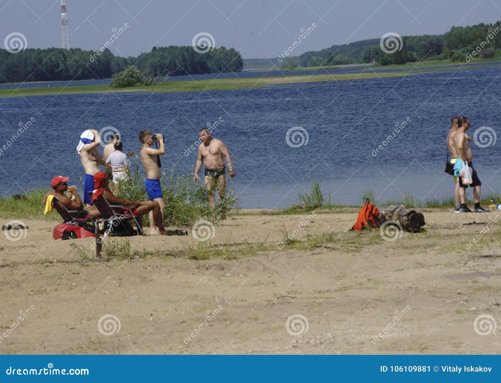 Rusland - Berezniki op 18 Juli: gesloten van mensen op het strand