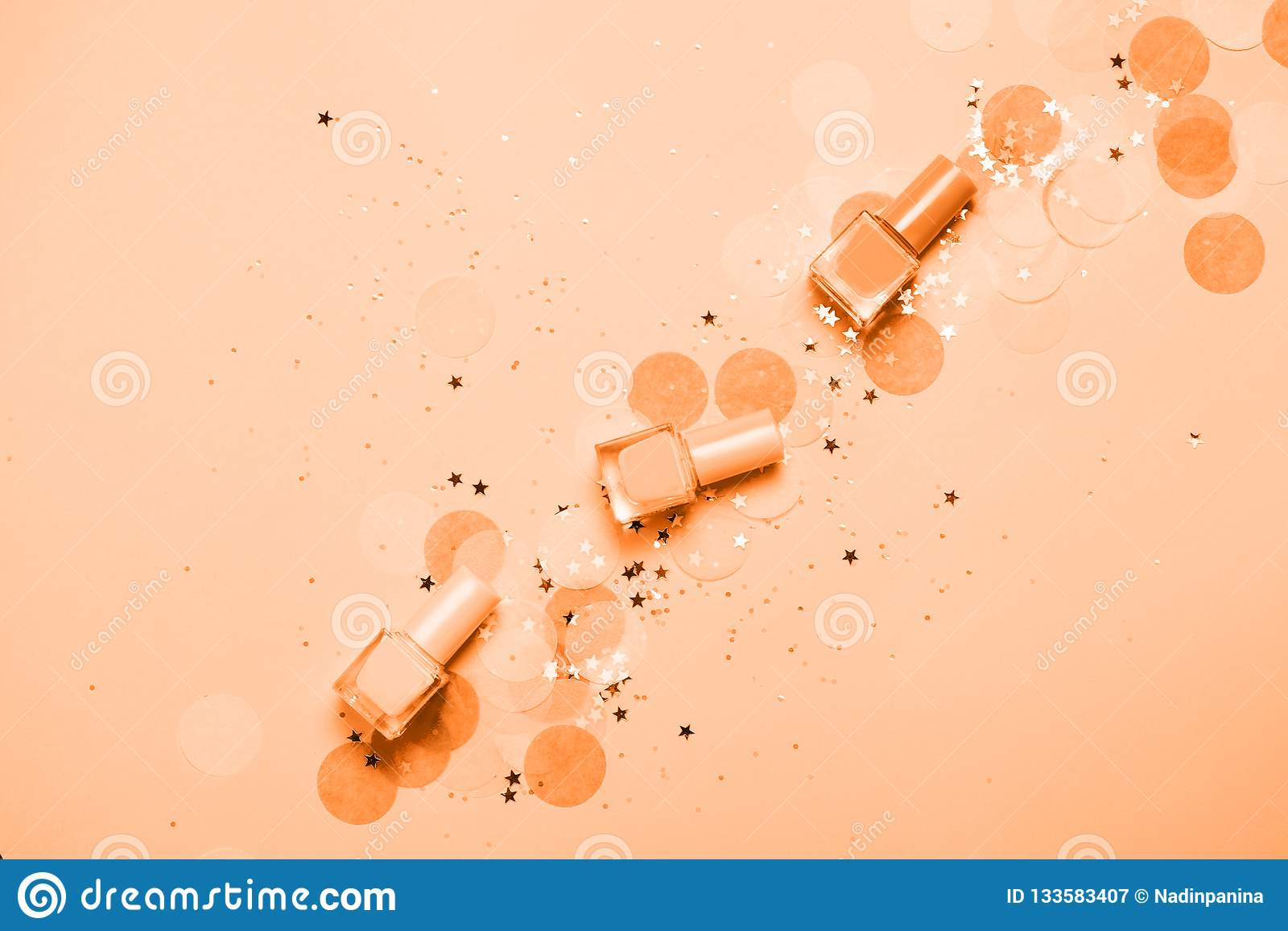 Russet πορτοκαλί στιλβωτικές ουσίες και κομφετί καρφιών κρητιδογραφιών, αστέρια και σπινθηρίσματα