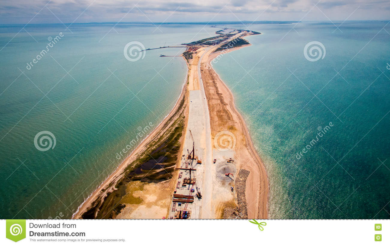 How is the construction of the Crimean bridge 81