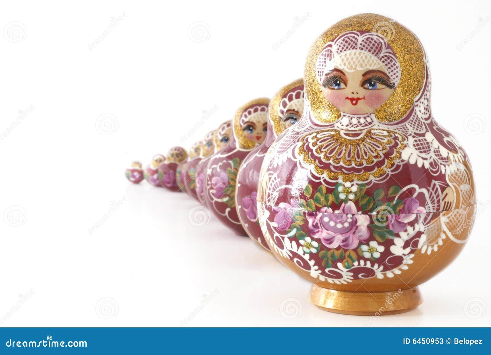 Russische Doll in een rij