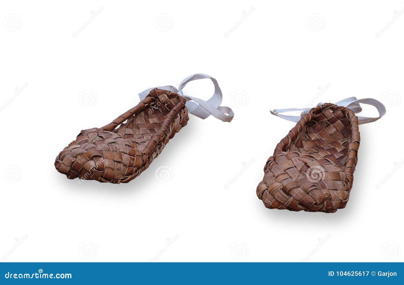 Download Russische Rieten Bastschoenen Stock Afbeelding - Afbeelding bestaande uit kabel, gevormd: 104625617