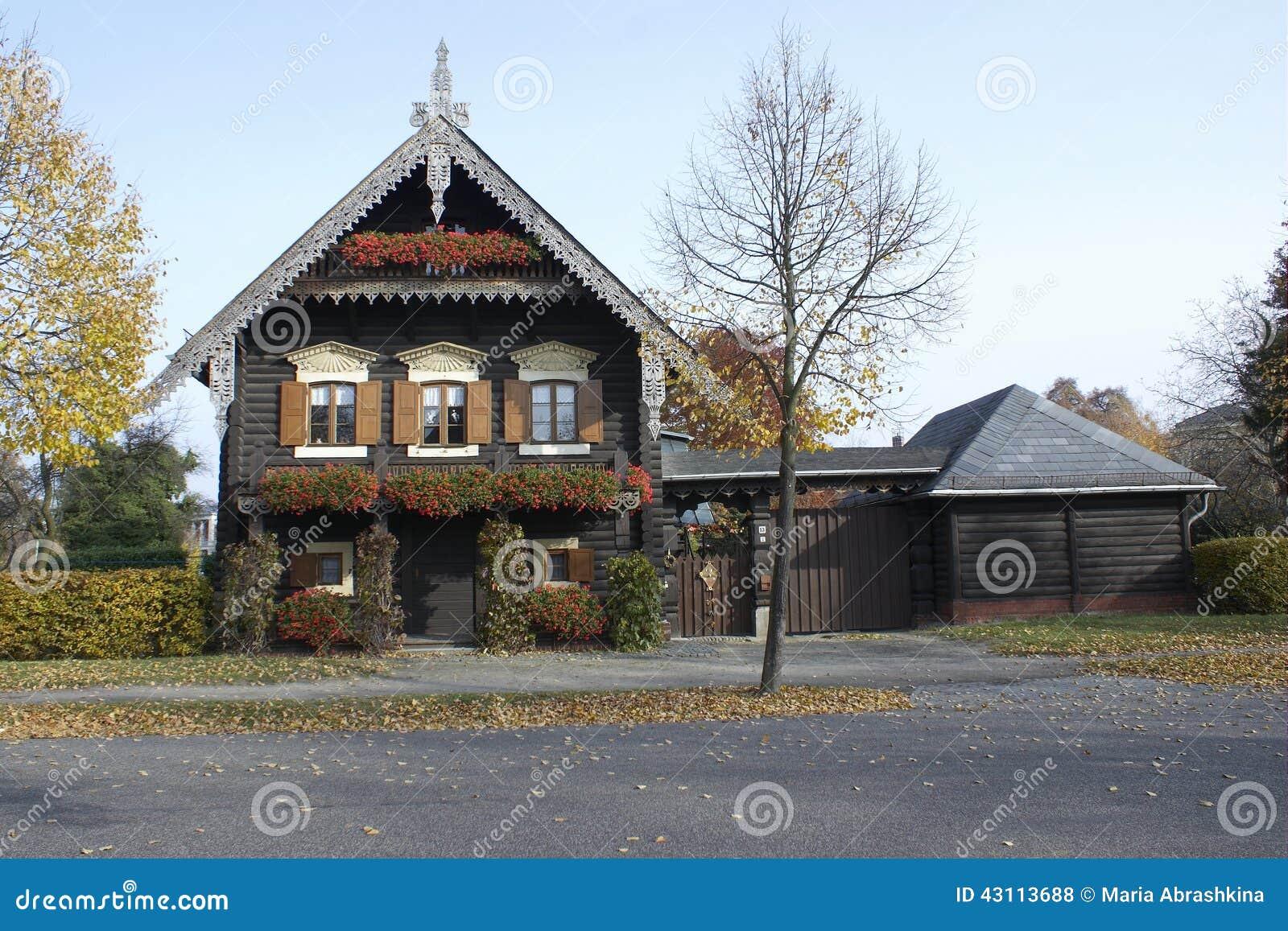 Ansprechend Russisches Holzhaus Referenz Von Pattern , Potsdam, Deutschland Stockfoto - Bild