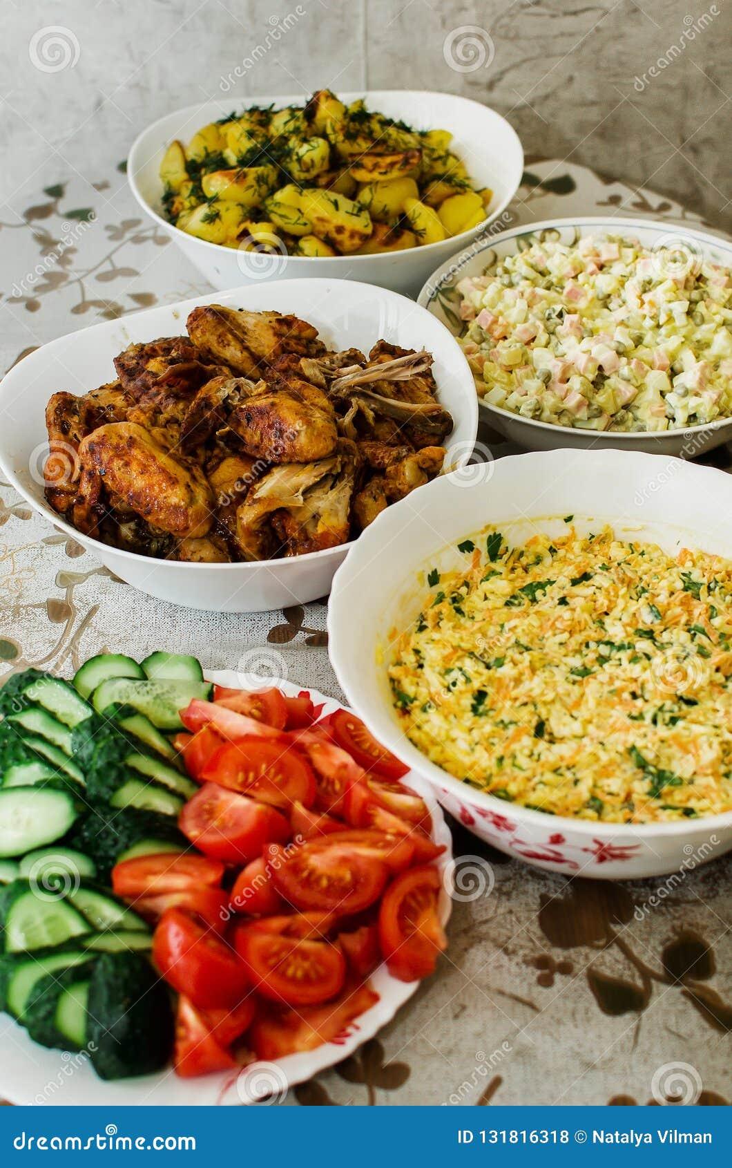 Salat Weihnachten.Russisches Salat Olivie Weihnachten Tradition Neues Jahr Makro