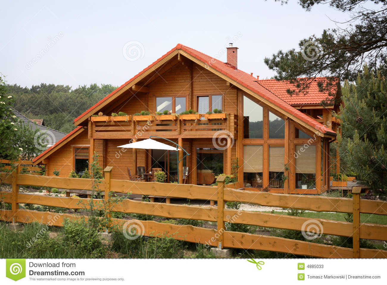 Rustic country house stock image image of wooded - Casas rusticas con jardin ...