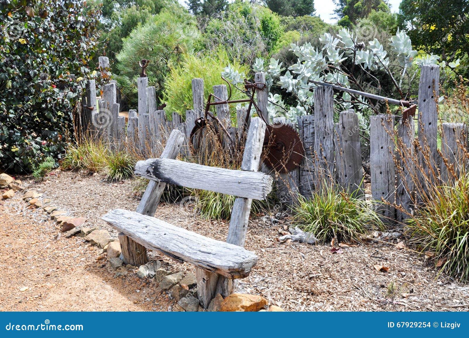 Rustic garden decor editorial stock image image of for Casas rusticas con jardin