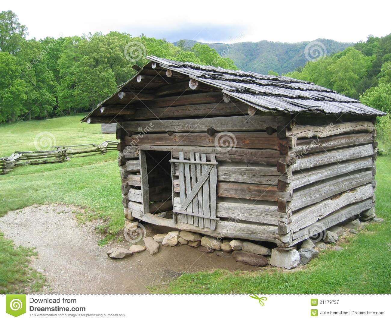 Rustic log cabin in the great smoky mountains stock image