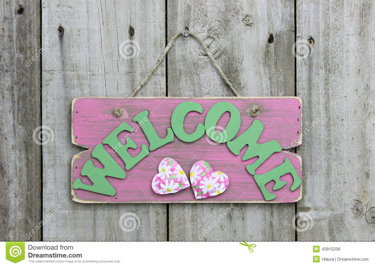 Rustic Pink Welcome Sign With Daisies And Hearts Hanging