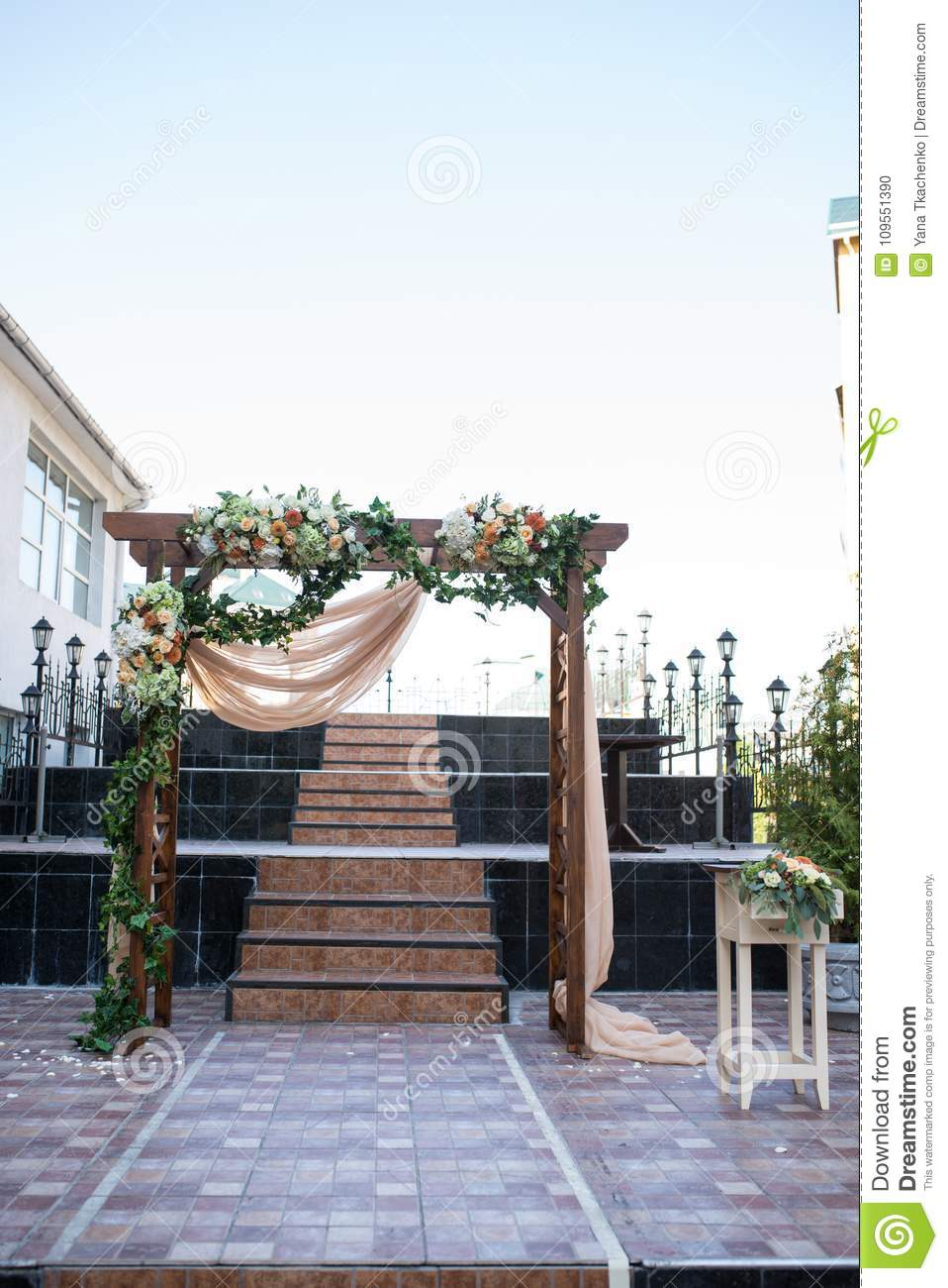 Rustic Wedding Arch. Wedding Arch Made Of Wooden Square Frame, Beige ...
