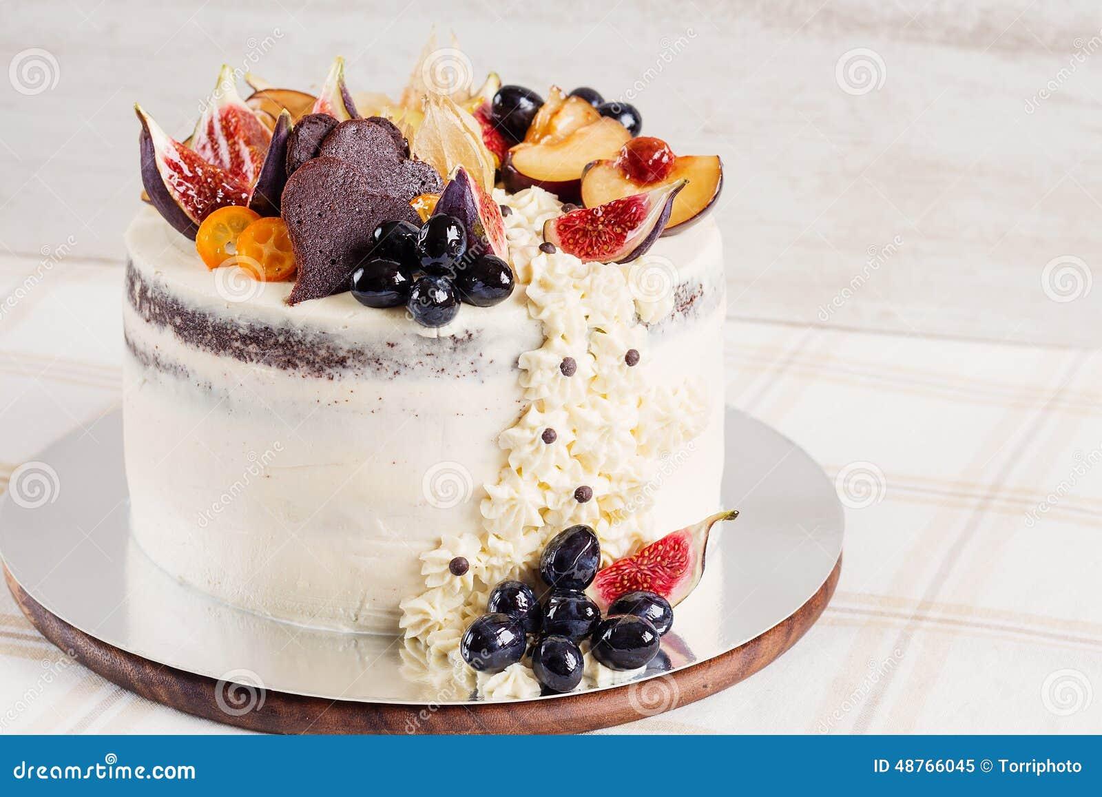 Rustic wedding cake stock image. Image of layer, heart - 48766045