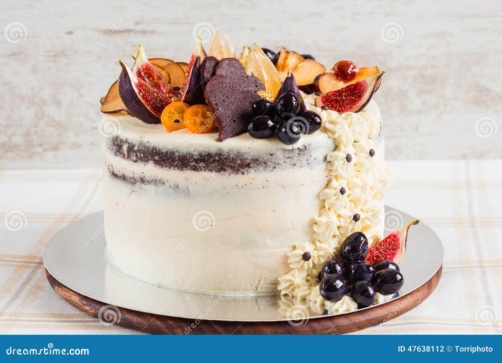 Rustic wedding cake stock photo. Image of cake, cream - 47638112