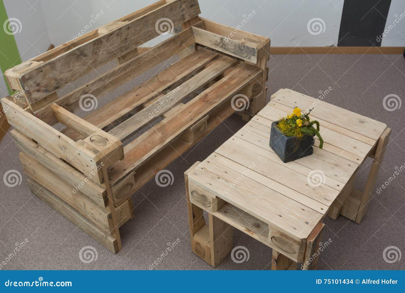 Rustikale wohnzimmer mobel wohndesign for Rustikale mobel