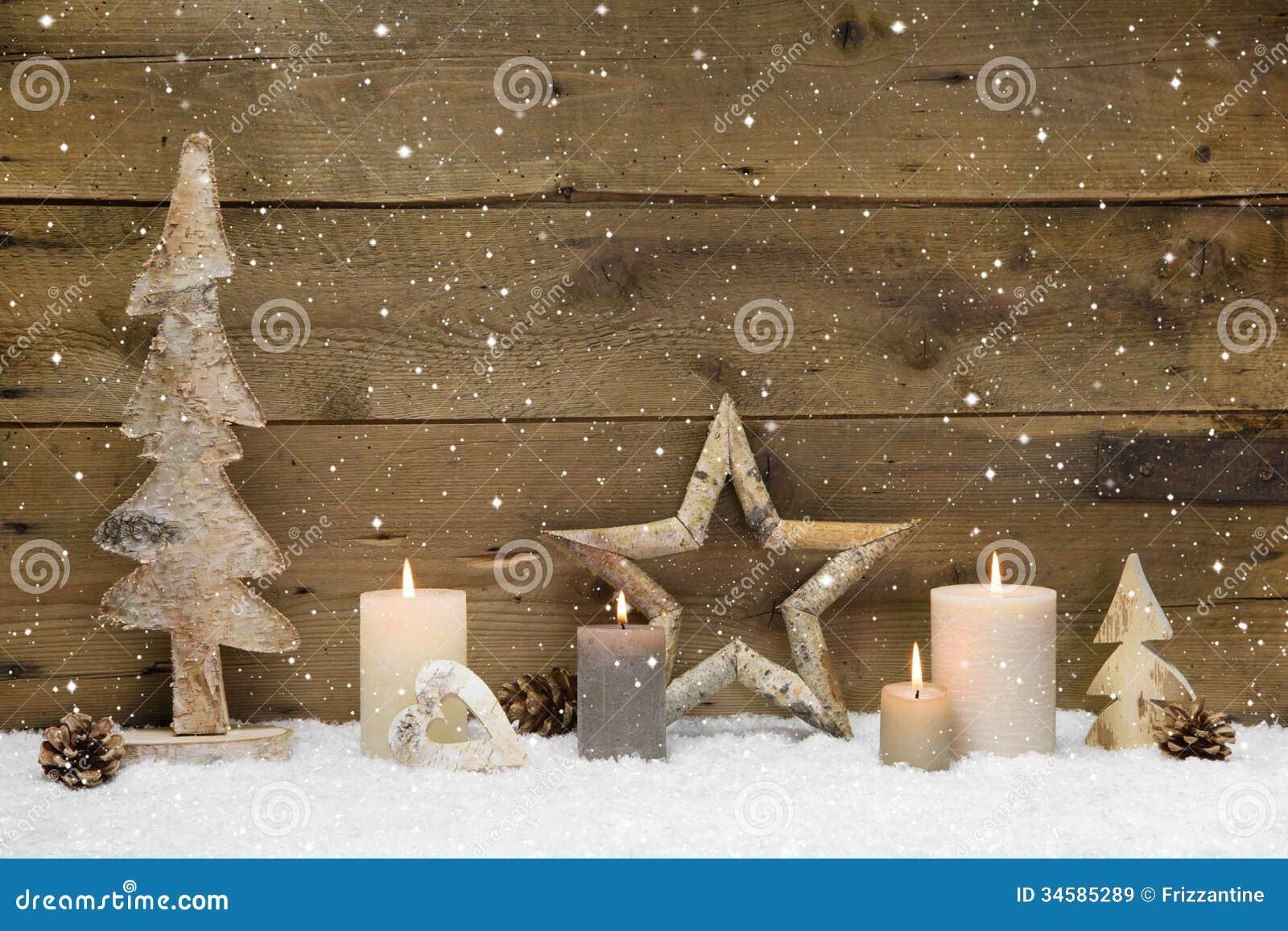Rustikaler Landhintergrund - Holz - mit Kerzen und Schneeflocken f