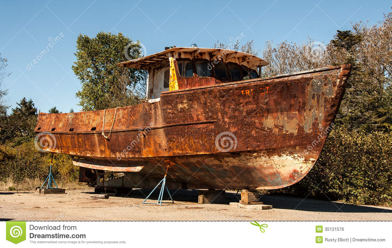 Rusty Boat Royalty Free Stock Image - Image: 35121576