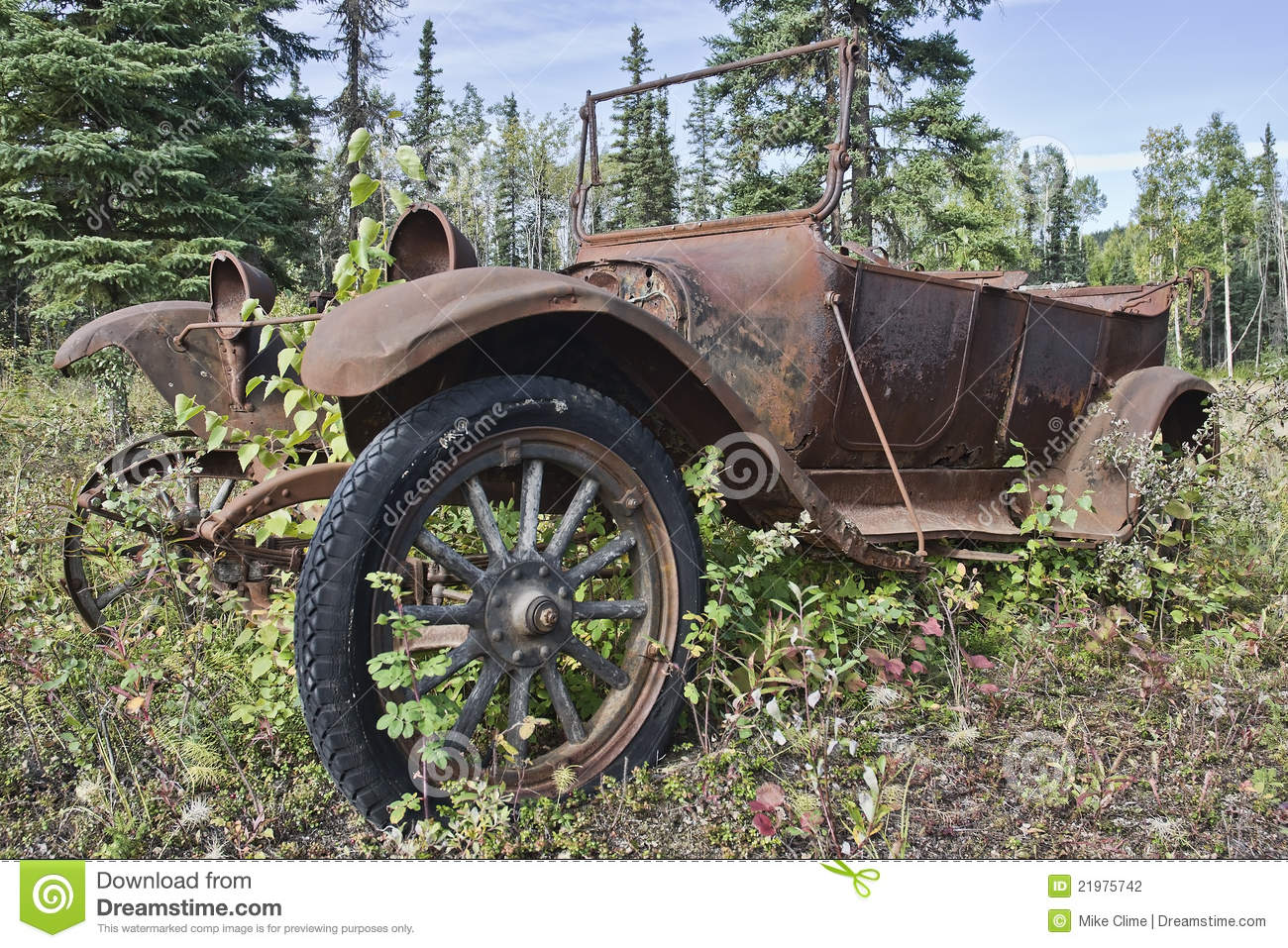 Rusty Old Anitique Car Stock Photography Image 21975742